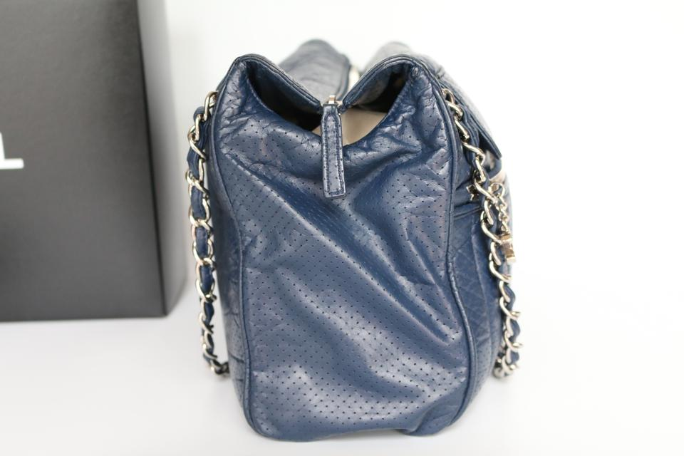 449f5bfc1325 Chanel 50s Perforated Perforated 50s Tote in Navy Image 11. 123456789101112