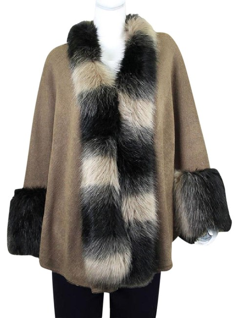Item - Beige/Black Fur Trimmed Collar Elegant Wrap Shawl Poncho/Cape Size OS (one size)