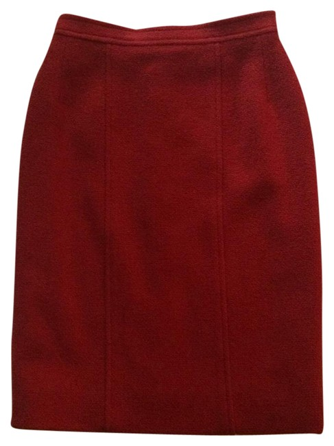Preload https://img-static.tradesy.com/item/21898913/chanel-red-boucle-tweed-pencil-skirt-size-00-xxs-24-0-1-650-650.jpg