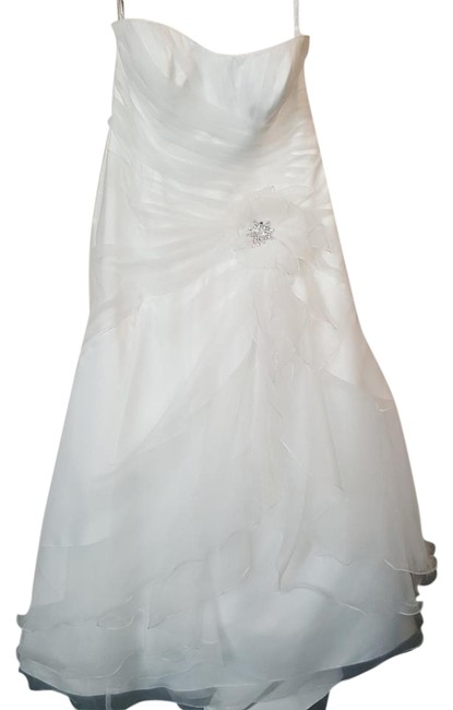 Item - Ivory Organza 2329w Feminine Wedding Dress Size 20 (Plus 1x)