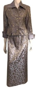 JS Collections js collection two pieces skirt suit Size 6 Retal Price $350.00