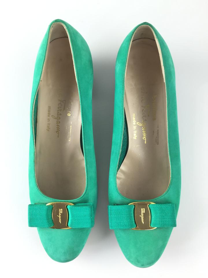 salvatore ferragamo vara teal green pumps on sale 80 off pumps on sale. Black Bedroom Furniture Sets. Home Design Ideas