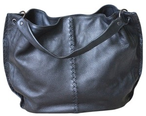 Bottega Veneta Leather Designer Large Tote in Black