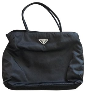 5f70cac3d957 Prada Bags - Up to 90% off at Tradesy