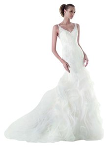 Pronovias Ivory Lace Maku Formal Wedding Dress Size 8 (M)