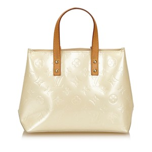 43dec569be35 Louis Vuitton Bags - Up to 90% off at Tradesy