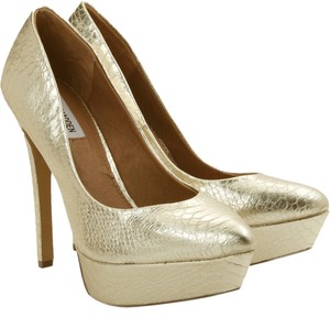 Steve Madden Artist Pointed Toe Pump Gold Pumps