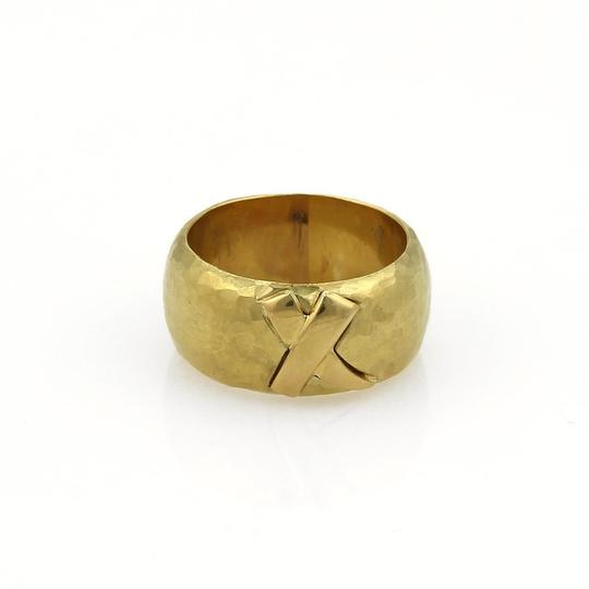 Preload https://img-static.tradesy.com/item/21911884/tiffany-and-co-yellow-gold-picasso-kiss-x-wide-hammered-dome-band-ring-0-0-540-540.jpg