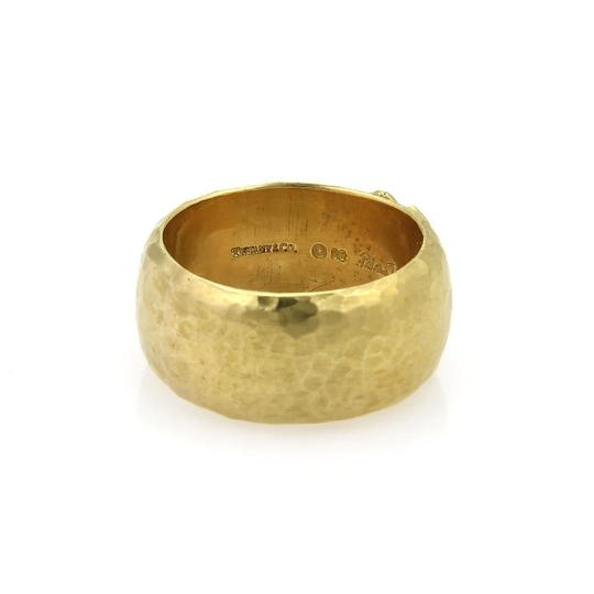 Tiffany & Co. Picasso Kiss X 18k Yellow Gold Wide Hammered Dome Band Ring Image 4