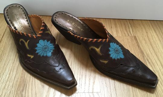 BCBGMAXAZRIA Flower Insets Leather Unique Western Brown Mules