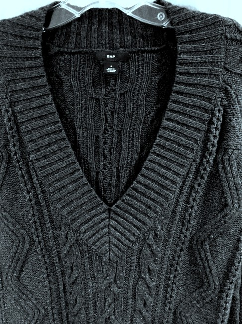 Gap Longsleeve Cable Knit Long Low V-neck Sweater