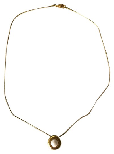 Preload https://img-static.tradesy.com/item/21913861/talbots-golden-pearl-pendant-necklace-0-1-540-540.jpg