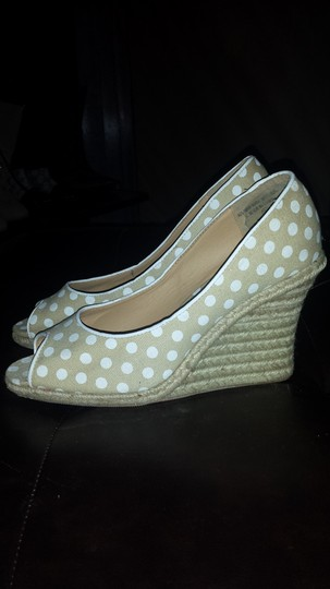 Other Tan & White Wedges