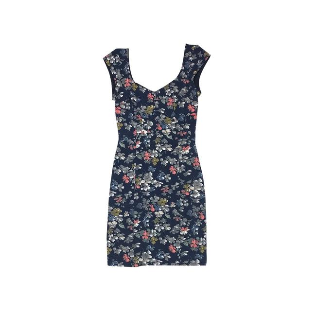 Preload https://img-static.tradesy.com/item/21915801/french-connection-navy-floral-short-casual-dress-size-4-s-0-0-650-650.jpg
