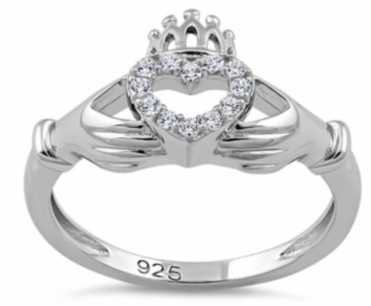 Preload https://img-static.tradesy.com/item/21916060/sterling-silver-claddagh-ring-0-0-540-540.jpg