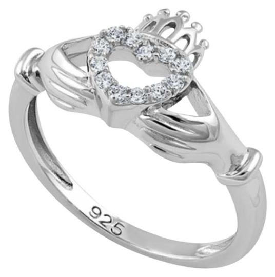 Preload https://img-static.tradesy.com/item/21916061/sterling-silver-claddagh-ring-0-1-540-540.jpg