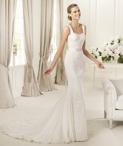 Pronovias Dia Wedding Dress