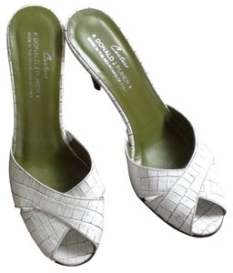Donald J. Pliner white, green insole Mules