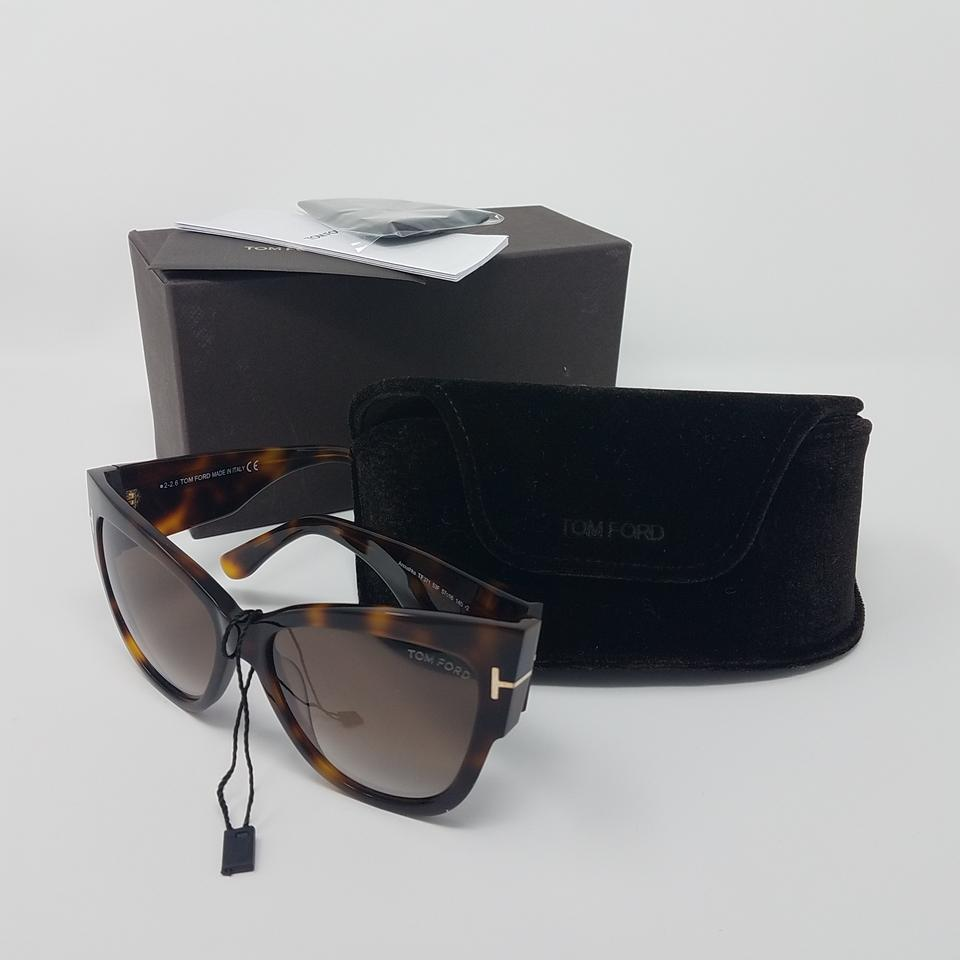 23bc33334069c ... tortoiseshell Tom Ford Anoushka oversize cat eye sunglasses. Image 8.  123456789