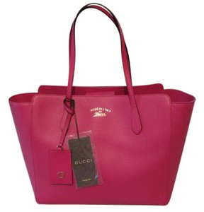Gucci Swing Shoulder Tote in Pink