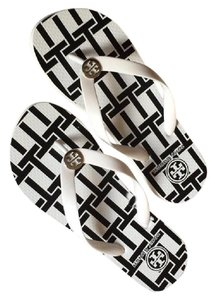 Tory Burch Flip Flop White Black Tory White T-Basket Sandals