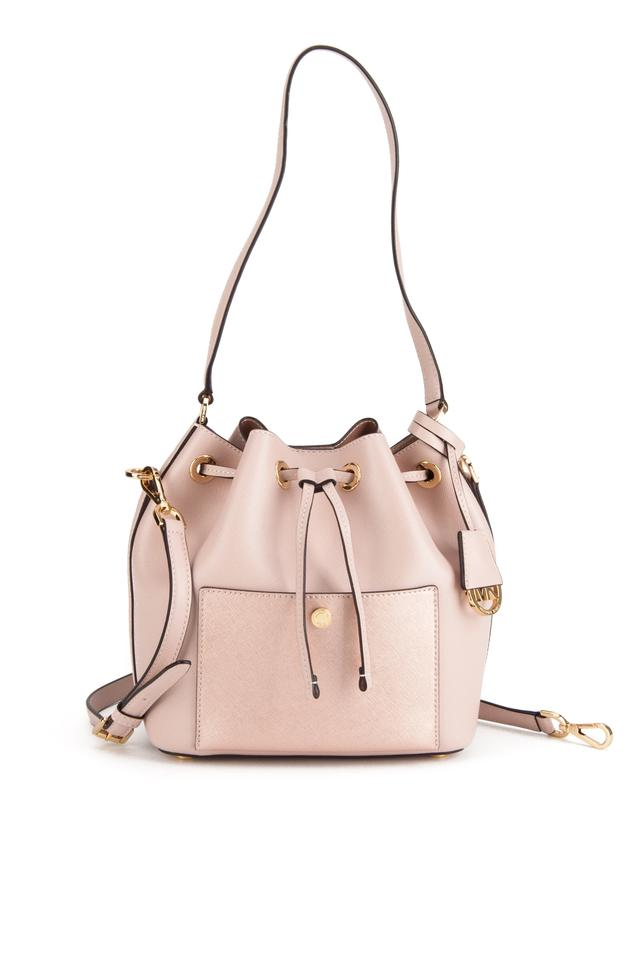 589dc19bc54182 Michael Kors Greenwich Bucket Medium Ballet (Soft Pink) Saffiano ...