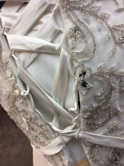 Alfred Angelo Ivory/Silver Satin/Beading Tulle 249 Ariel Modern Wedding Dress Size 10 (M) Image 2