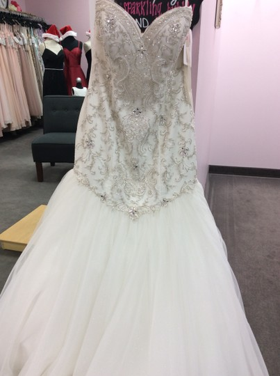 Alfred Angelo Ivory/Silver Satin/Beading Tulle 249 Ariel Modern Wedding Dress Size 10 (M) Image 5