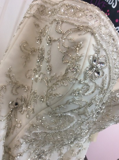 Alfred Angelo Ivory/Silver Satin/Beading Tulle 249 Ariel Modern Wedding Dress Size 10 (M) Image 7
