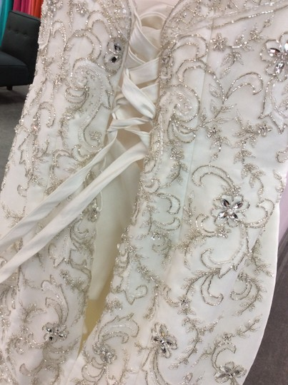 Alfred Angelo Ivory/Silver Satin/Beading Tulle 249 Ariel Modern Wedding Dress Size 10 (M) Image 9