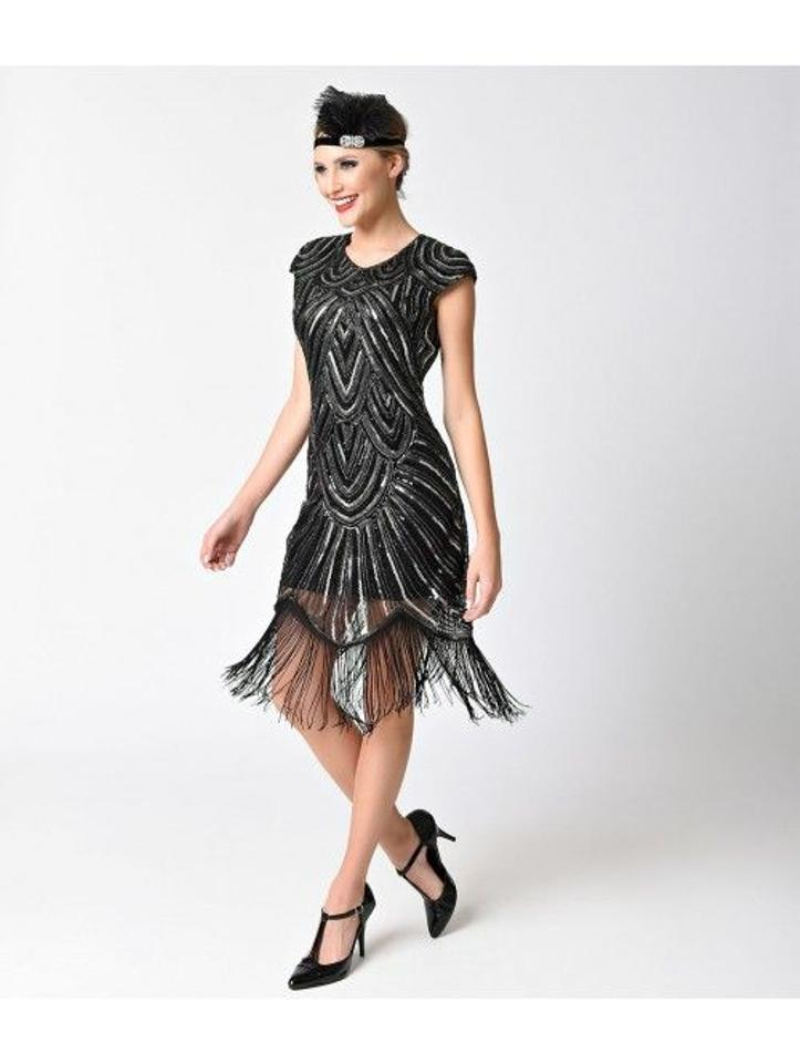 e35eb5ae78a Unique Vintage Black and Silver 1920s Style Sequin Mesh Cap Sleeve ...