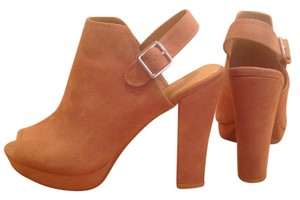 REPORT Limited Edition Exclusive Tan Mules