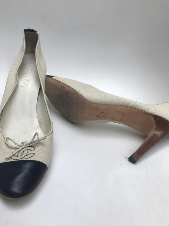 624dd0e8e61 Chanel Cream with Black Toes Two Tone Linen Heel Pumps Size US 9 ...