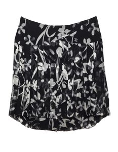 Chanel Pleated Silk Skirt black