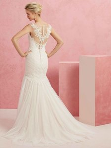 Casablanca Light Champagne/Ivory Tulle and Lace Bl220 Wedding Dress Size 10 (M)