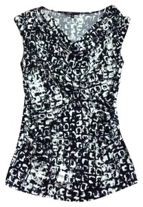 Chaus Top black and white