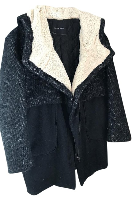Item - Black and White Coat Size 6 (S)