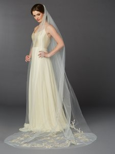Mariell Silver/Gold Long Embroidered Floral Lace Cathedral 4468 Bridal Veil