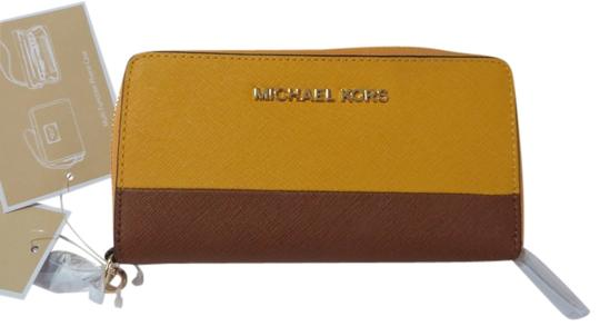 Michael Kors MICHAEL KORS Jet Set Leather Travel Phone Case Phone wallet
