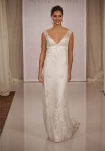 Anne Barge Ivory 508 Destination Wedding Dress Size 6 (S)