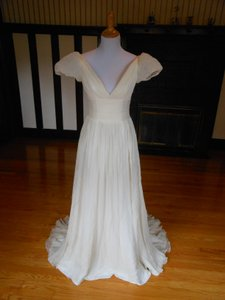 Anne Barge Ivory/Pearl Silk Sample Destination Wedding Dress Size 6 (S)