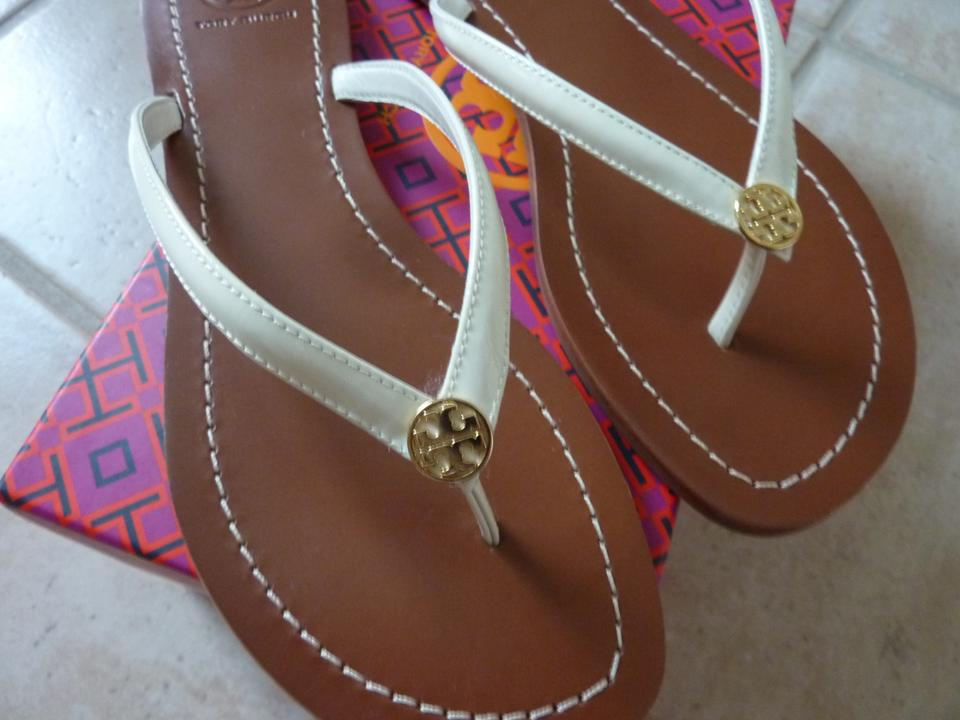 face1d970c5971 Tory Burch Ivory Ladies  terra  Flat Patent Leather Sandals Size US ...
