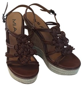 MIA Brown Wedges