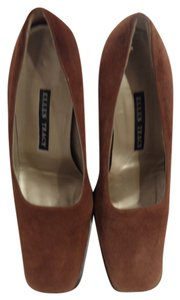 Ellen Tracy Suede Chunck Heel Brown Pumps
