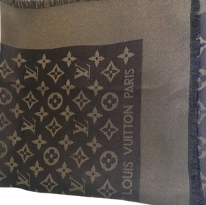 3b60a50d5 Louis Vuitton monogram. Louis Vuitton Brown Gold Monogram Scarf/Wrap