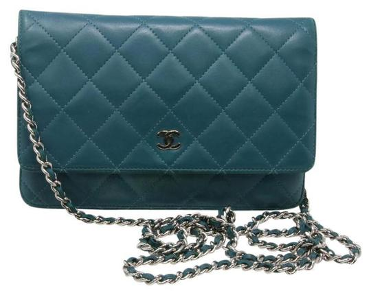 Preload https://item3.tradesy.com/images/chanel-wallet-on-chain-cc-quilted-woc-signature-classic-sky-flap-blue-leather-cross-body-bag-21944402-0-0.jpg?width=440&height=440