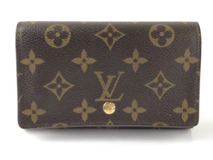 f9615ed37d85 Louis Vuitton Monogram Wallets - Up to 70% off at Tradesy
