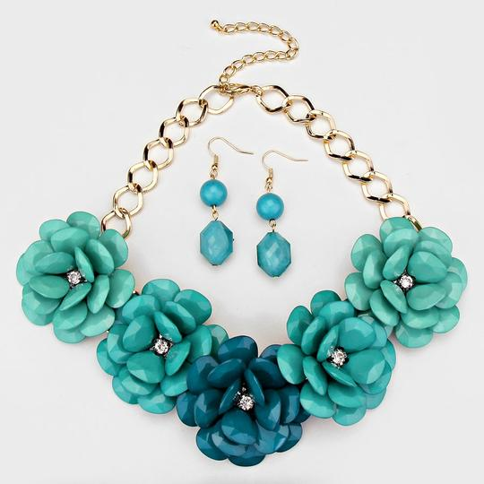 Other Turquoise And Gold Crystal Accent Flower Necklace Earring Set