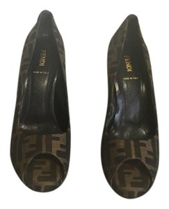 Fendi Brown pumps Brown Pumps