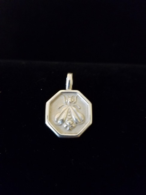 Item - Sterling Silver Frosted Bee Never Worn) Charm